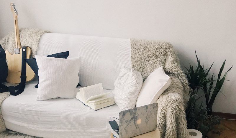 HOW TO FIGHT BOREDOM.TIPS FROM AN INTROVERT